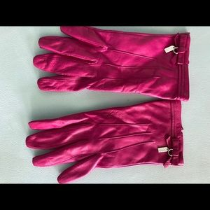 Coach magenta pink leather gloves
